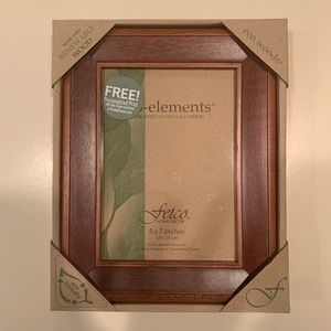 NWT wooden picture frame